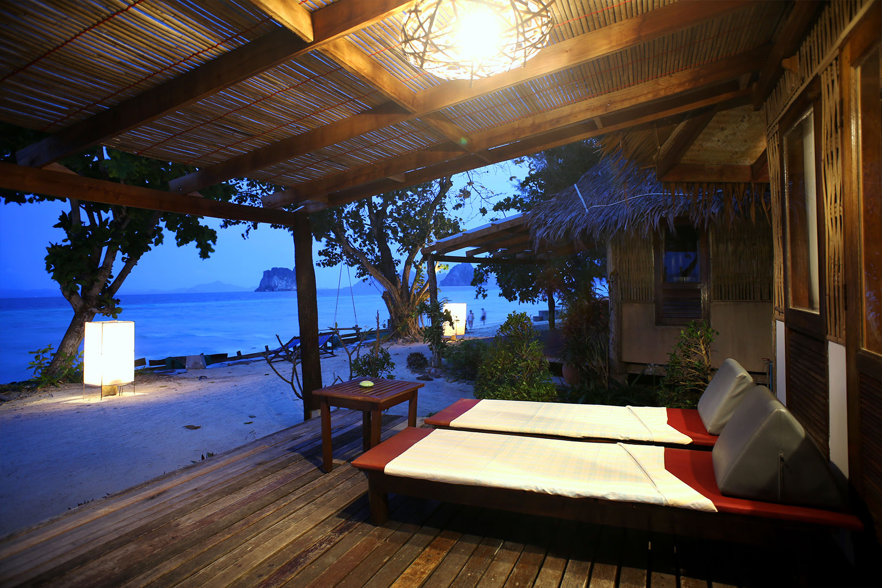 Beachfront Cottages,  Hotel resort on Koh Ngai